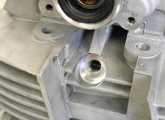 2. Kerzengewinde an Ducati Detail